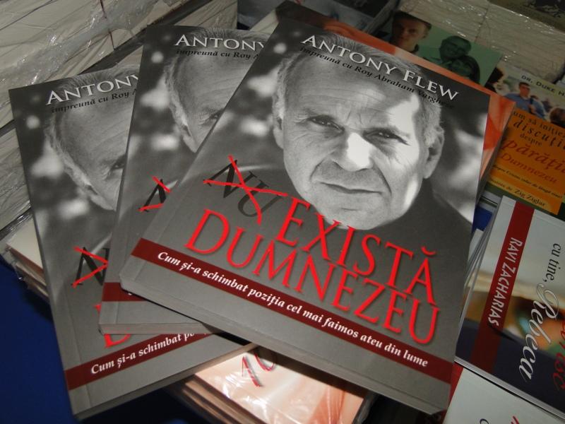 """Cartea """"Există Dumnezeu"""" de Antony Flew ACUM şi în limba română"""