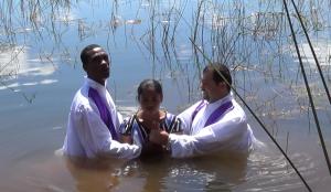01 Botez in apa 1