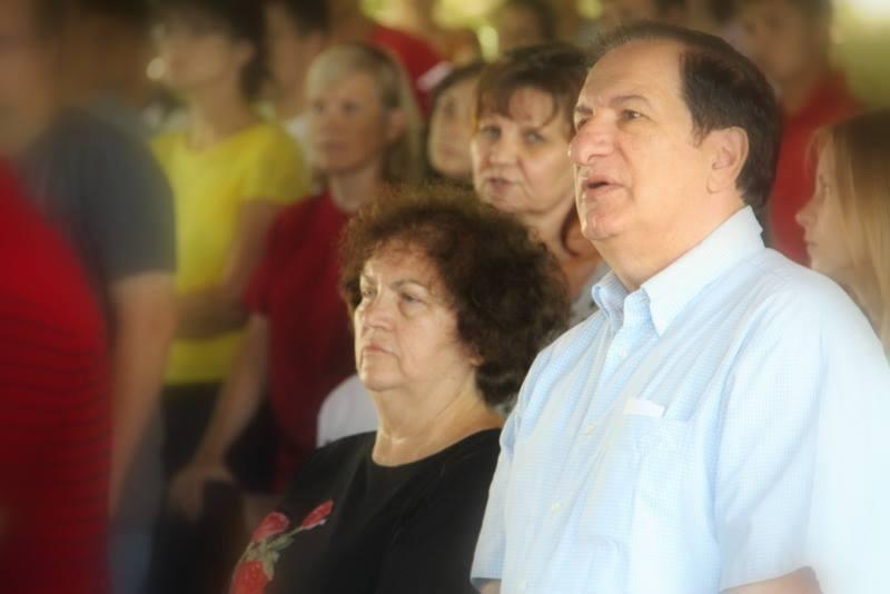 """Mia şi Costel Oglice vor preda """"Căsătorie fără regrete"""" în Republica Moldova"""