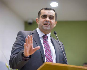 "Samuel Tuţac: Vor renunţa bisericile la ""Zona de confort""?"