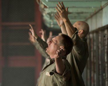 """""""Nebunia lui Dumnezeu"""" – un film despre Biserica Persecutată"""