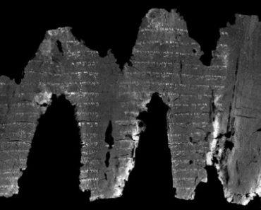 Un vechi papirus carbonizat a fost descifrat folosind tehnologie 3D