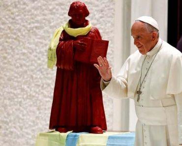 """Vaticanul îl reabilitează pe """"ereticul"""" Martin Luther"""