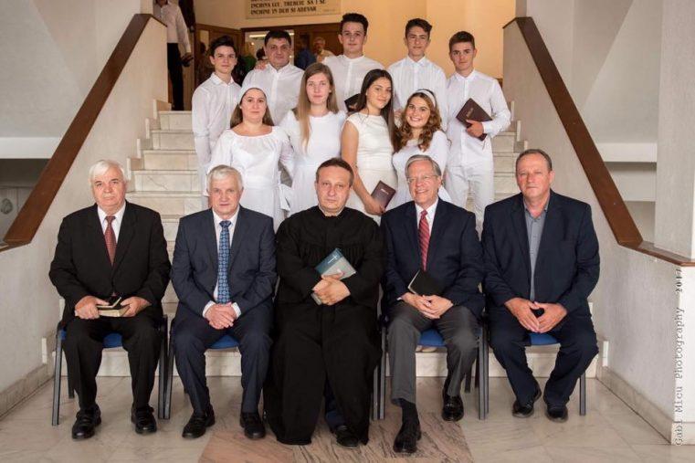 """Ionel Tuţac: """"Liderul romilor din Lugoj a coborât în apa botezului împreună cu soţia"""""""