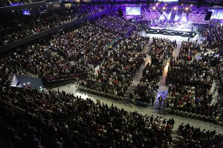 Will Graham a împărtășit românilor, la Cluj, speranța regăsită în Isus Hristos