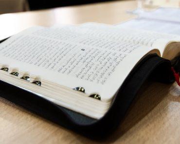 ALGERIA: Biserică închisă pe motiv că a tipărit Biblii