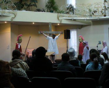 """Biserica """"Speranţa"""" din Chişinău la popas aniversar: 25 de ani de istorie cu Dumnezeu"""