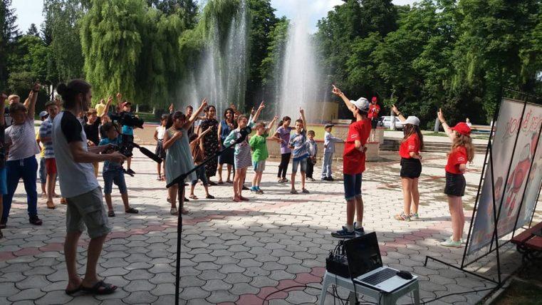 """Festivalul Copiilor """"Cartea Cărților"""" la Briceni VIDEO"""