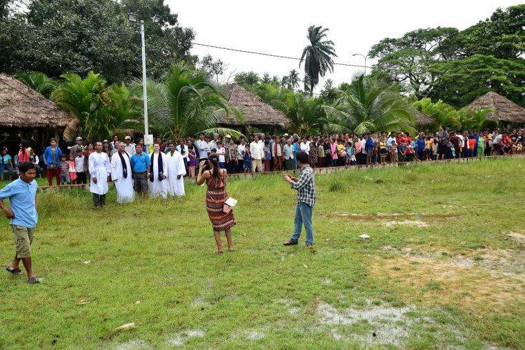 Jurnal de Misiune: Peste 750 noi convertiți au încheiat legământ în apa botezului în Cambodgia