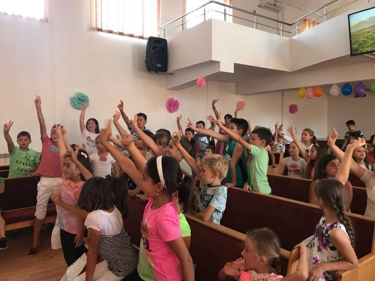 Peste 130 de copii în Școala Biblică de Vacanță Peretu