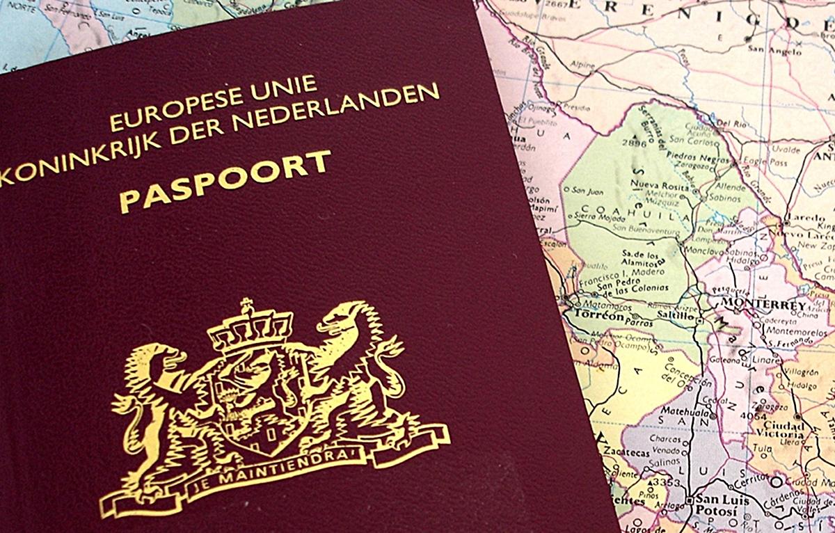 Olanda a emis primul pașaport cu genul neutru