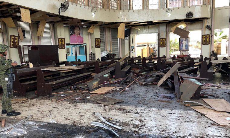20 de morţi într-un atac cu bombă într-o biserică din Filipine