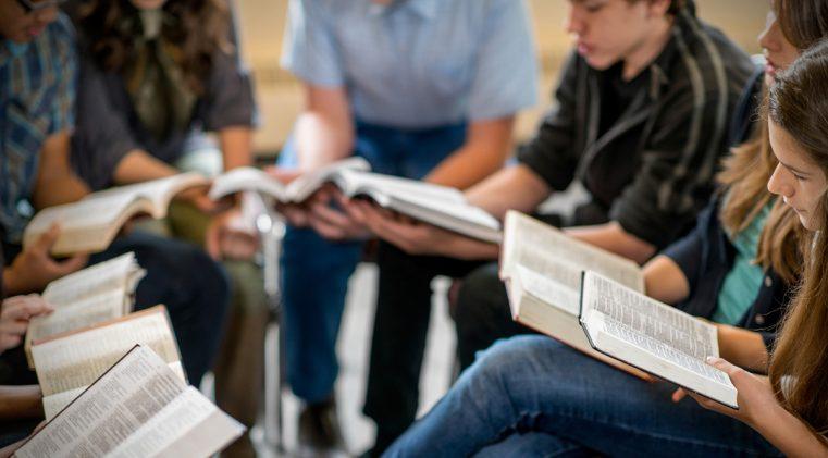 SDR 2019: Rugăciune pentru liderii de studiu biblic