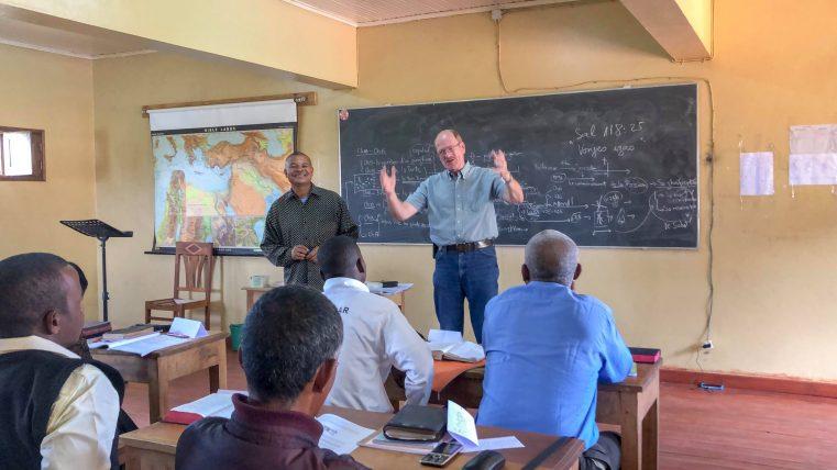 """Jurnal de Misiune: O """"altfel"""" de înviere a lui Lazăr, în Madagascar"""