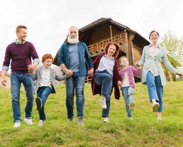Doar 25% dintre creștini practică credinţa împreună cu ceilalţi membri ai familiei