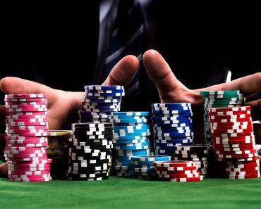 """""""Nu putem accepta aşa ceva!"""". O biserică refuză un cec de 25.000 de dolari oferit de un cazino."""
