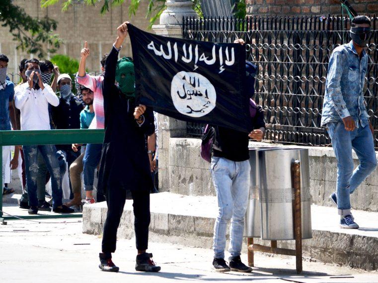 """Un fost """"Prinţ al ISIS"""" se converteşte la credinţa creştină după ce Hristos i-a vorbit într-un vis"""