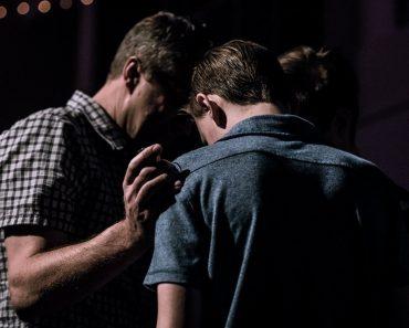 Tânăr vindecat de gastropareză, în urma unei rugăciuni