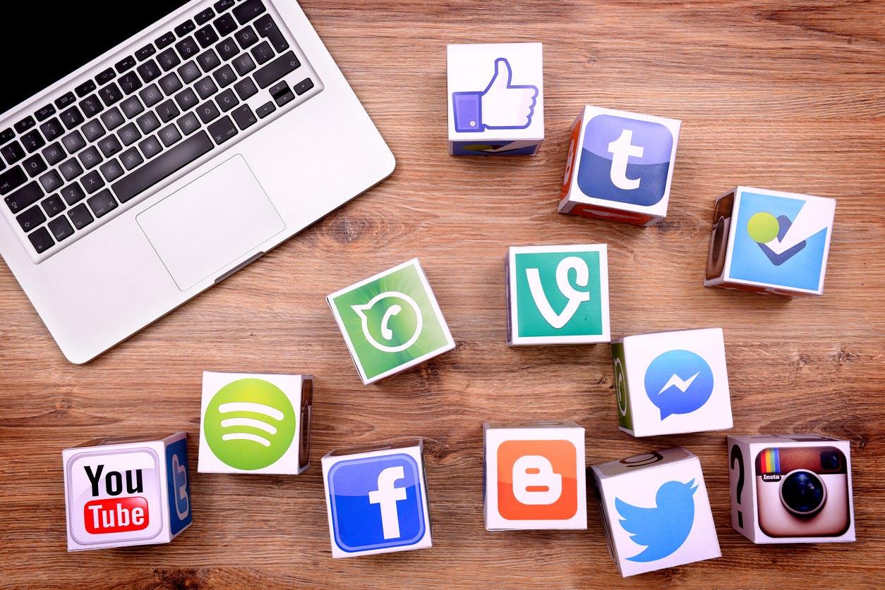 Ghidul creştinului pentru utilizarea reţelelor sociale