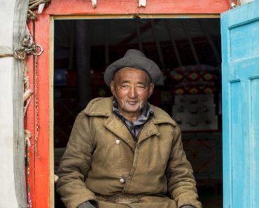 Ziua a 6-a: La un ceai cu kazahii | #Pray30Days