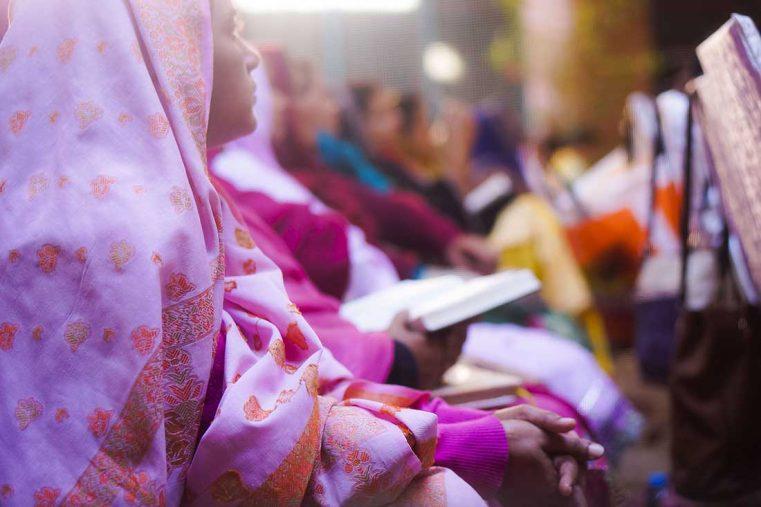 O fetiță de 14 ani vândută unui musulman a fost întoarsă părinților în Pakistan