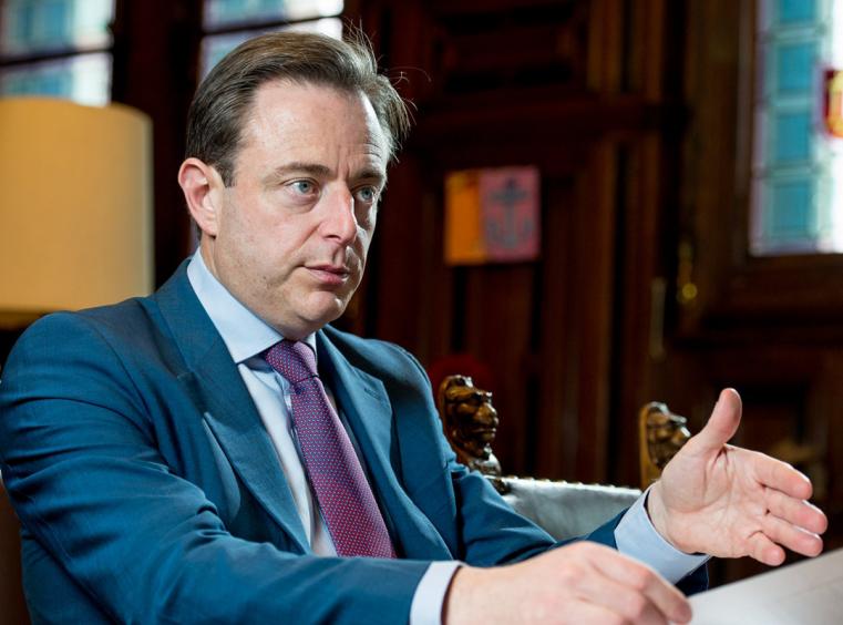 Politician belgian vrea scoaterea libertăţii religioase din Constituţie