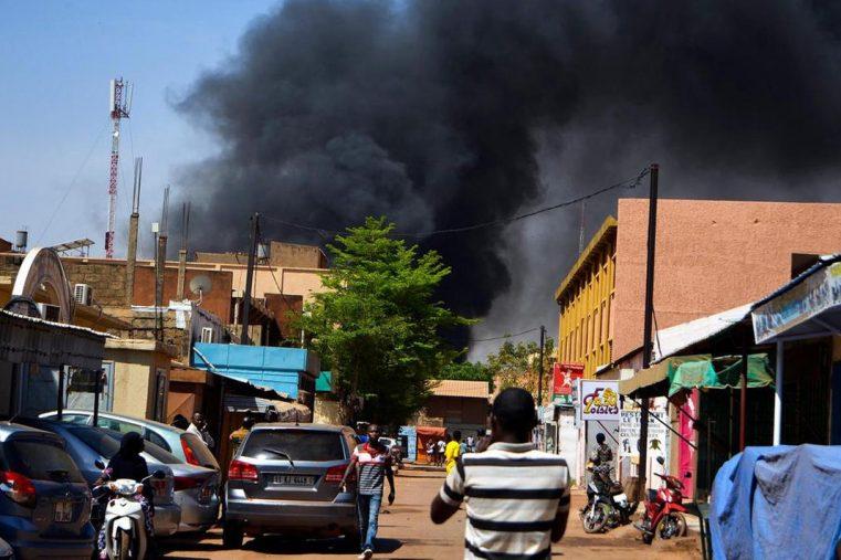 Burkina Faso: Șaisprezece creștini uciși în trei atacuri de către motocicliști islamiști înarmați