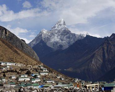 Poliţia din Nepal investighează creştini pe care îi acuză de prozelitism